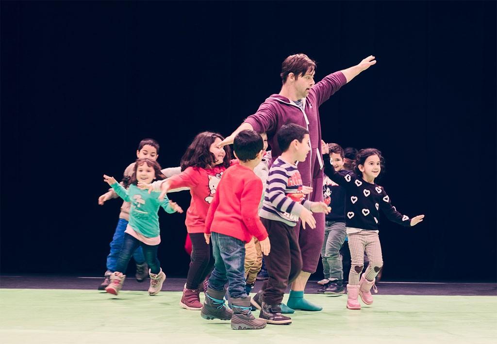 eine Gruppe von Kindern mit Oskar